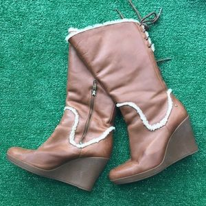 Ugg leather wedge boots Sz 9.5
